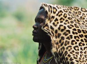 mequetrefismos-animal-print-masculino-omo-tribe