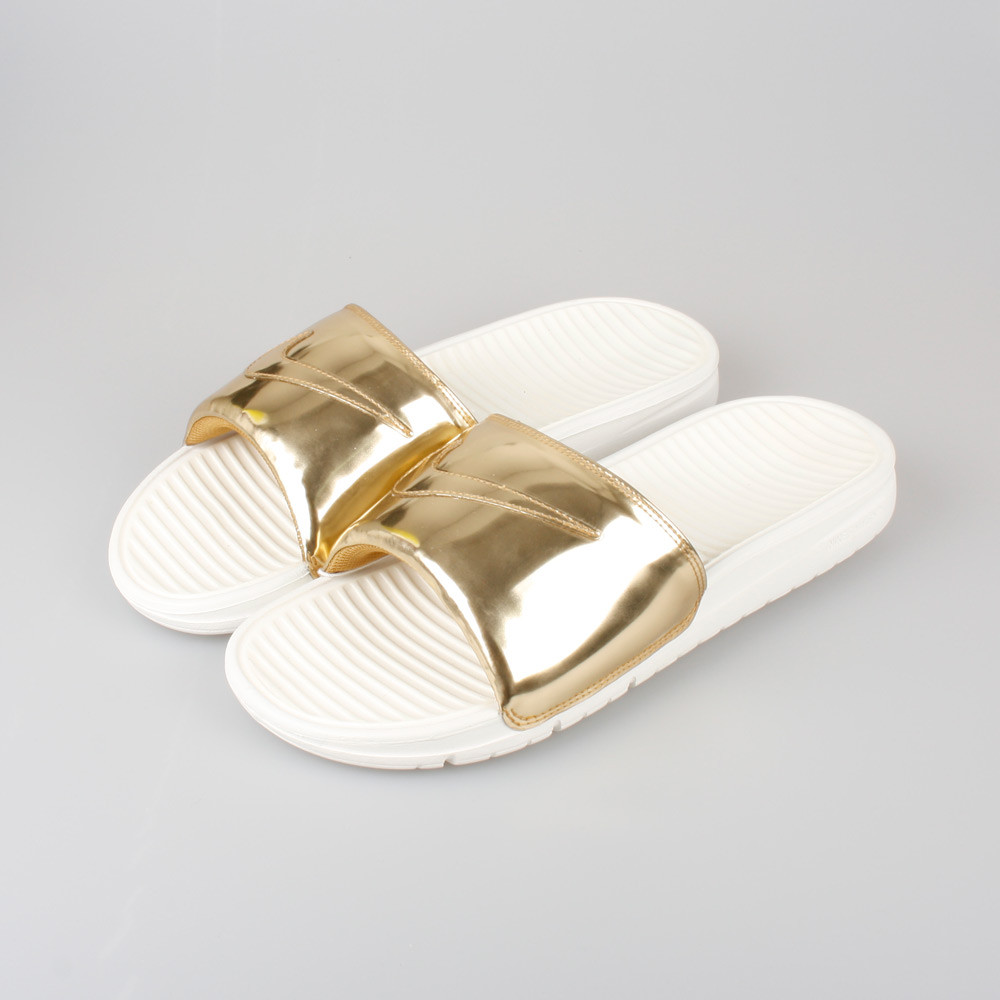 nike-benassi-slide-liquid-metal-gold