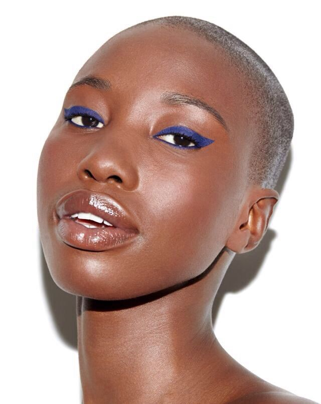 mequetrefismos-make-up-maquiagem-pele-negra-delineador-colorido