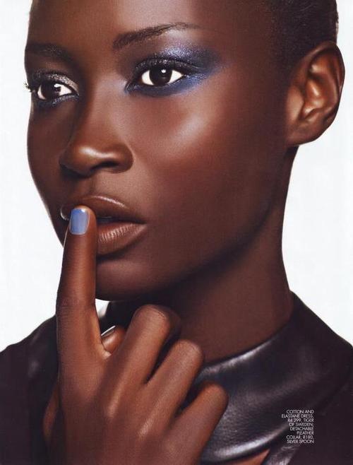 mequetrefismos-make-up-maquiagem-pele-negra-olhos-metalizados