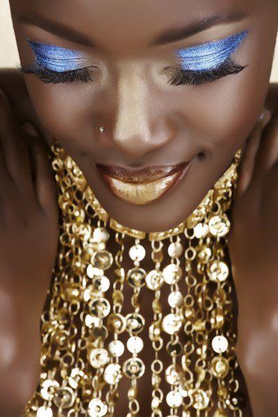 mequetrefismos-make-up-pele-negra-batom-dourado
